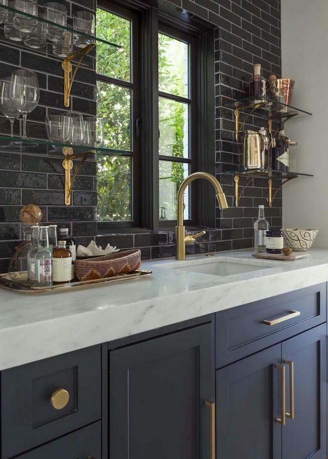 10 Stylish Black Kitchen Interior Design Ideas For Kitchen 03