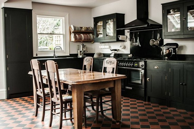 10 Stylish Black Kitchen Interior Design Ideas For Kitchen 14