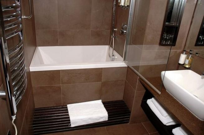 14 Delightful Bathroom Tub Shower Combo Remodeling Ideas 12