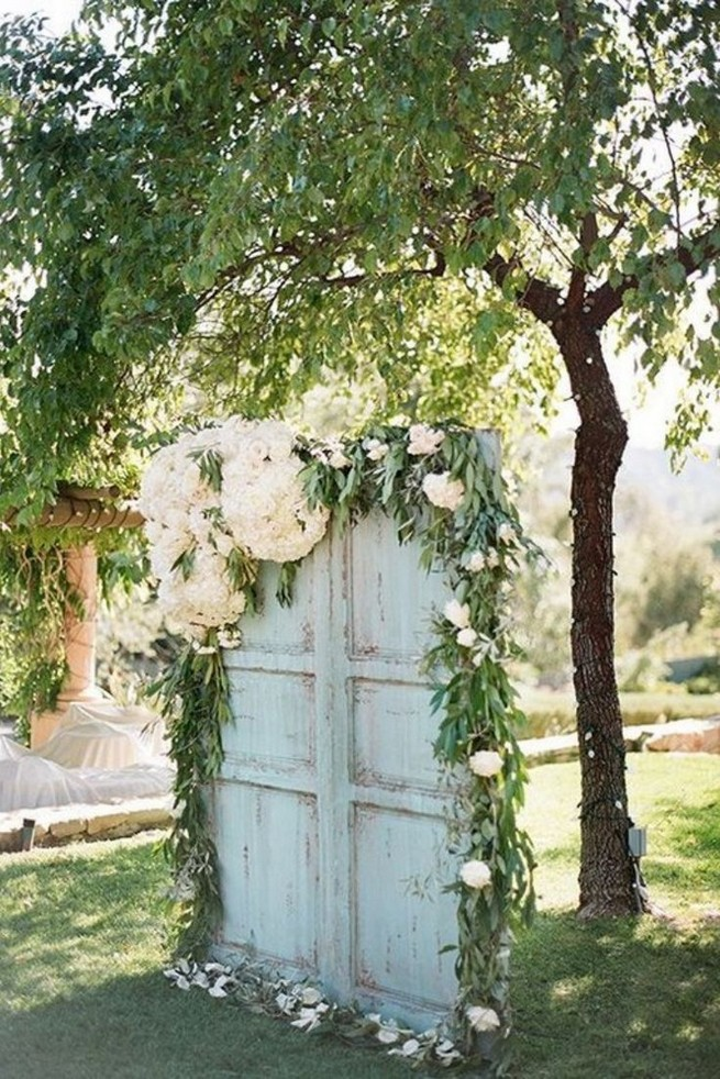 15 Rustic Backyard Outdoor Wedding Ideas 74