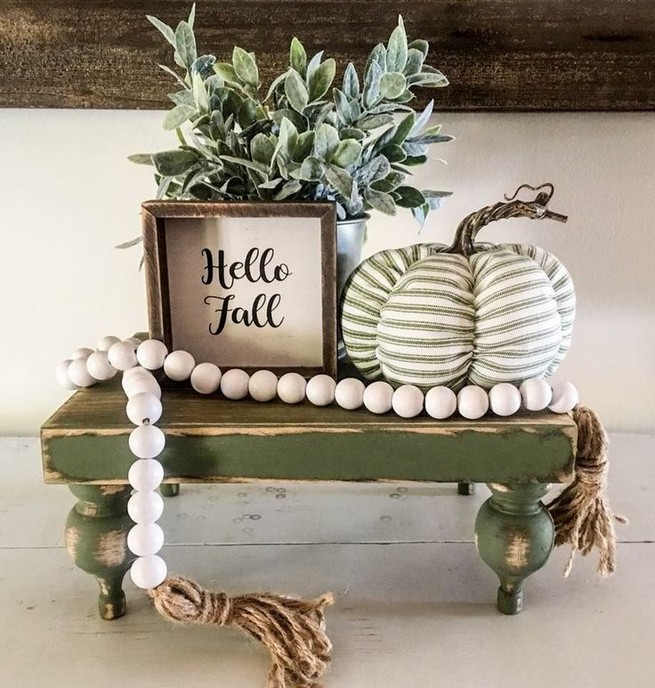 15 Inspiring Farmhouse Fall Decor Ideas 08