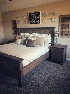16 Comfy Farmhouse Bedroom Decor Ideas 29
