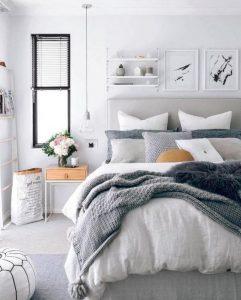 16 Comfy Farmhouse Bedroom Decor Ideas 30