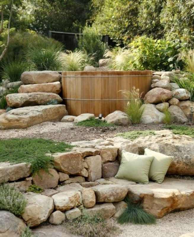 19 Charming DIY Wall Gardens Outdoor Design Best Ideas 08