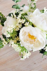 12 Easy And Refreshing Spring Flower Arrangements Ideas 31