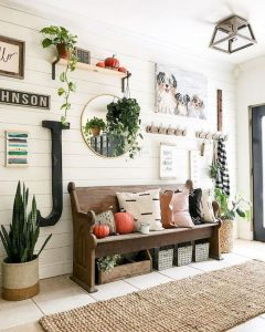 12 Stunning Rustic Small Mudroom Entryway Decor Ideas 14