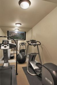 13 Comfy Gym Room Ideas For Small Spaces 19