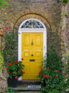 13 Fantastic Yellow Brick Home Decor Ideas For Front Door 17