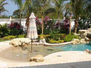 13 Totally Perfect Small Backyard Pool Design Ideas 17