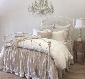 14 Comfy Shabby Chic Bedrooms Design Ideas 04