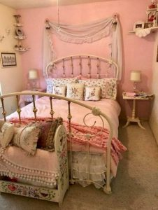 14 Comfy Shabby Chic Bedrooms Design Ideas 12