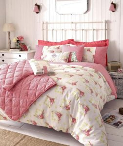 14 Comfy Shabby Chic Bedrooms Design Ideas 31