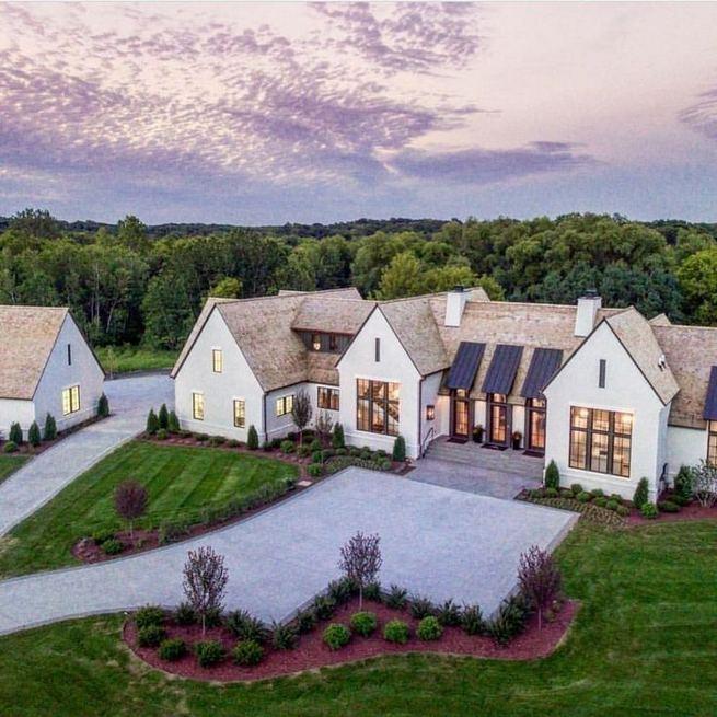 21 Amazing Rustic Farmhouse Exterior Designs Ideas 24