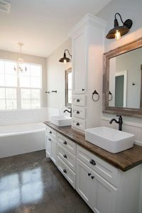 14 Beautiful Master Bathroom Remodel Ideas 21