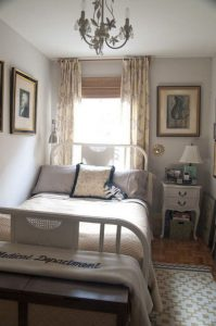 15 Adorable Small Master Bedroom Decoration Ideas 07