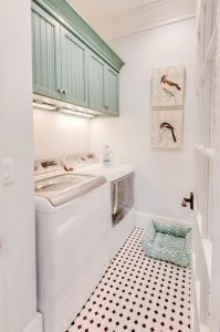 16 Brilliant Small Functional Laundry Room Decoration Ideas 31