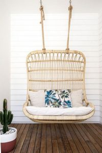 18 Adorable Hanging Chairs Ideas For Indoors And Outdoors 04