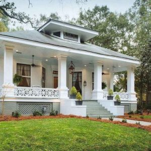 21 Stunning Farmhouse Front Porch Decor Ideas 02