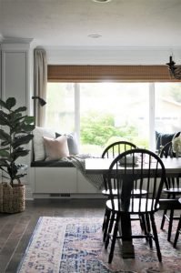 21 Totally Inspiring Small Dining Room Table Decor Ideas 32