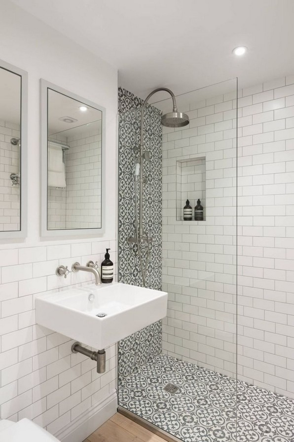 15 Beautiful Walk In Shower Ideas For Small Bathrooms 24