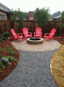 16 Awesome Winter Patio Decorating Ideas With Fire Pit 02