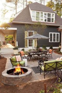 16 Awesome Winter Patio Decorating Ideas With Fire Pit 09