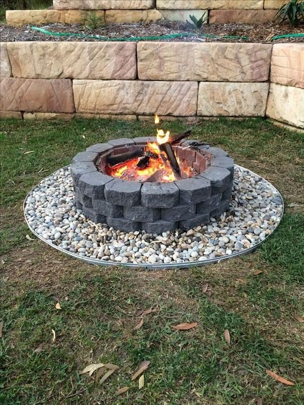 16 Most Popular Backyard Fire Pits Design Ideas 11
