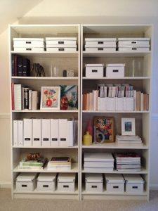 17 Bookshelf Organization Ideas – How To Organize Your Bookshelf 06