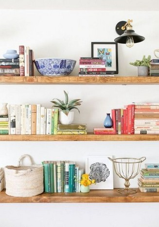 17 Bookshelf Organization Ideas – How To Organize Your Bookshelf 24