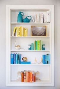 18 Bookshelf Organization Ideas 02
