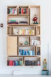 18 Bookshelf Organization Ideas 11