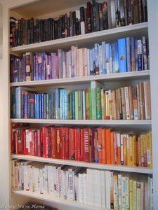 18 Bookshelf Organization Ideas 18