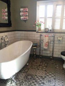 18 Comfy Bathroom Floor Design Ideas 06