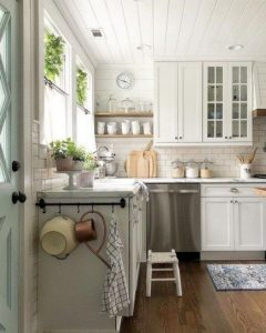 19 Rural Kitchen Ideas For Small Kitchens Look Luxurious 15