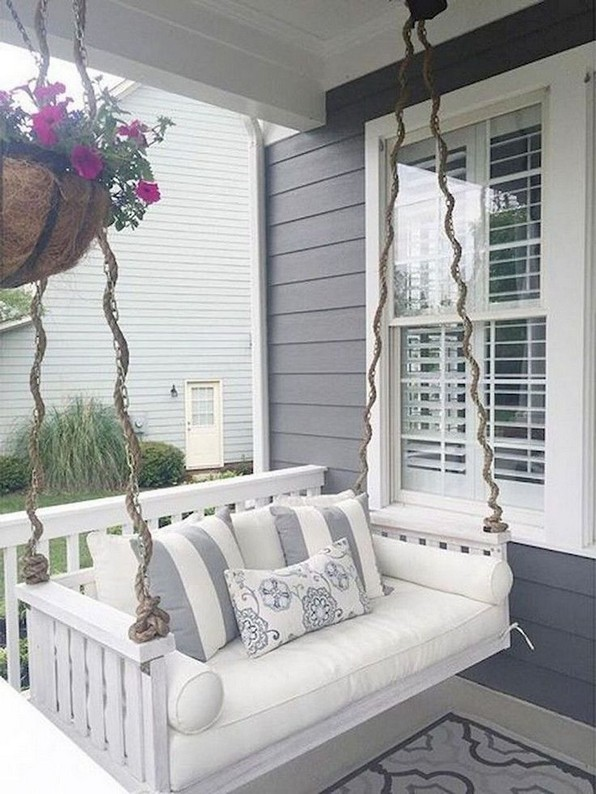 16 Beautiful Farmhouse Front Porches Decorating Ideas 19