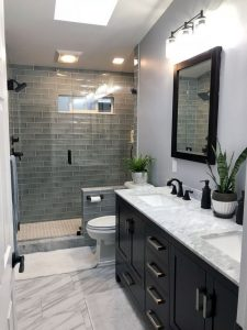 17 Awesome Small Bathroom Tile Ideas 11