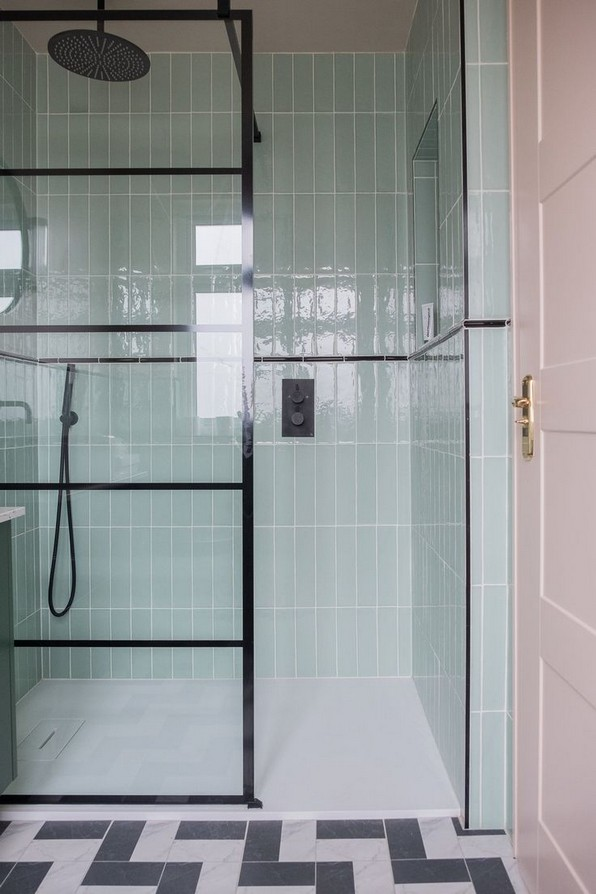 20 Beautiful Bathroom Shower Decoration 12